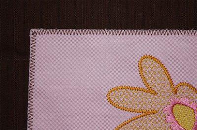 Zigzag Embroidery Daisy