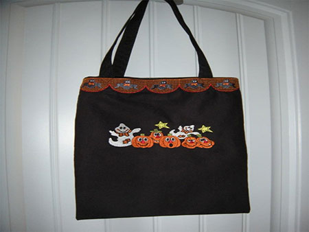 easy diy halloween trick or treat bag embroidered