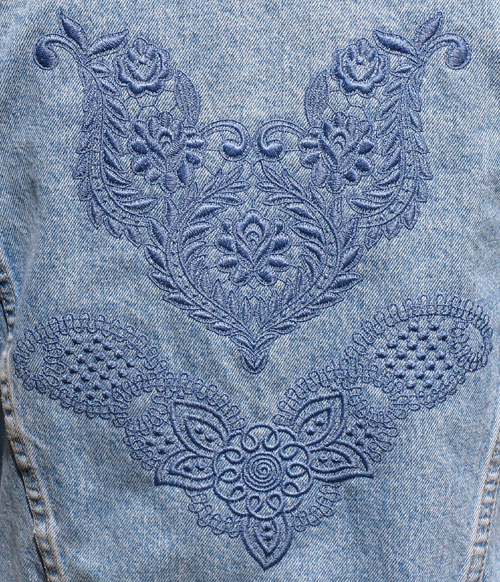 jacket back with lace