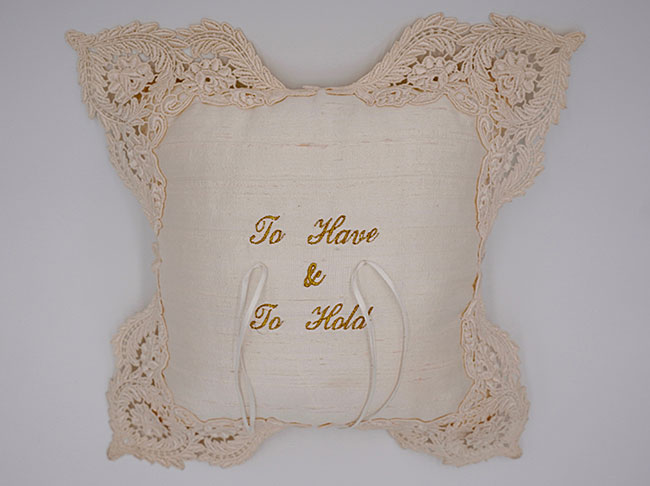 Freestanding lace ring cushion