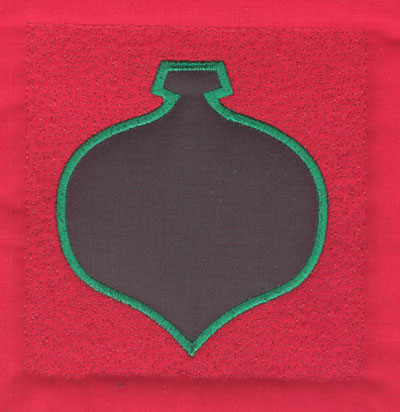 Embroidery Design: 4 inch Christmas Ornament<br>3.90w X 4.02h