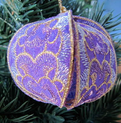 Embroidery Design: Christmas Ornament 7 small<br> 4.98w X 4.98h