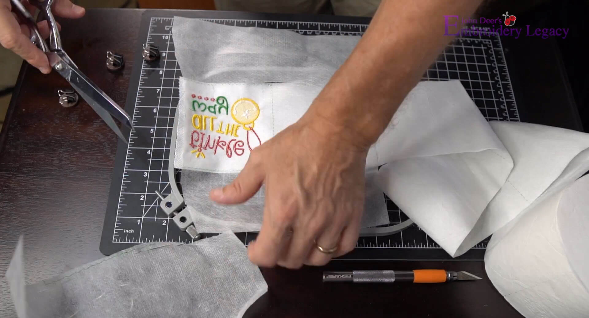 cut stabilzer away from toilet paper