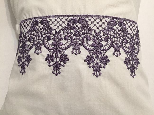 continuous lace pillow