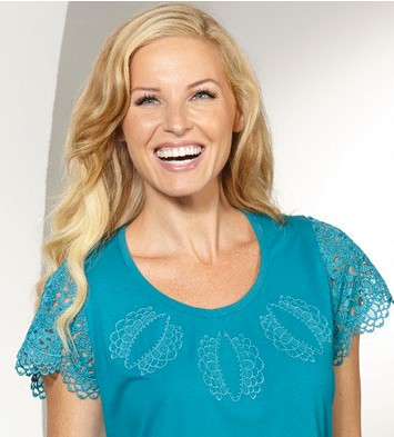 Freestanding lace top with sleeves